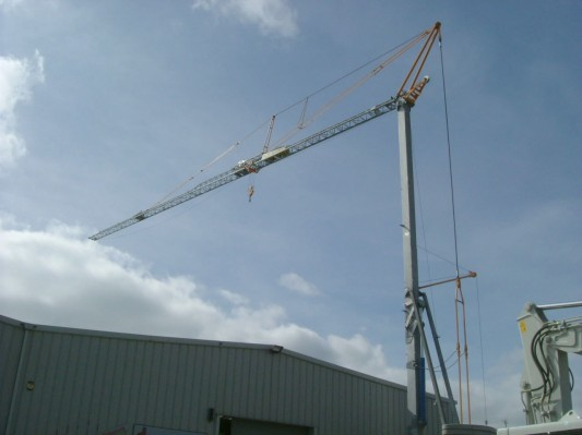 Self-erecting crane